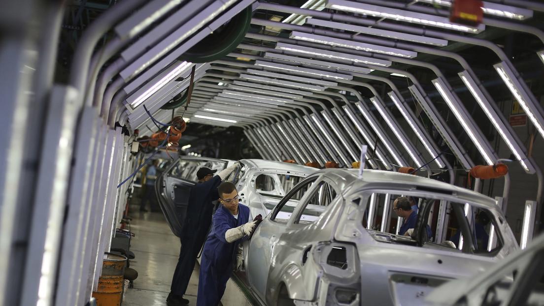 """Ford anuncia el cierre de operaciones en tres plantas de Brasil por el entorno """"desfavorable"""" y el vicepresidente del país se muestra """"sorprendido"""""""
