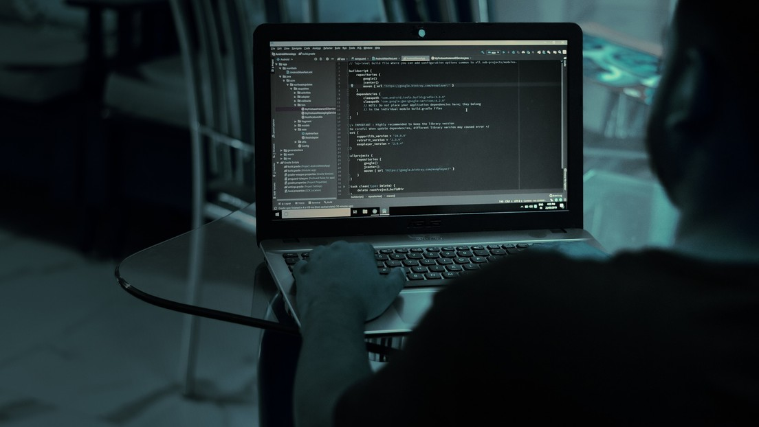 'Hackers' revelan que los datos personales de los usuarios de Parler podrían ser filtrados en Internet