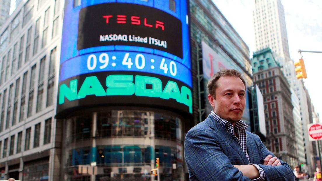 Elon Musk deja de ser la persona más rica del planeta tras perder 13.500 millones de dólares en un día, según Forbes