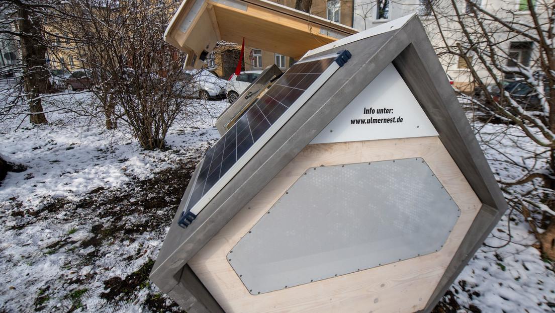 FOTOS: Una ciudad alemana instala 'nidos' móviles para que personas sintecho pasen las noches del frío invierno