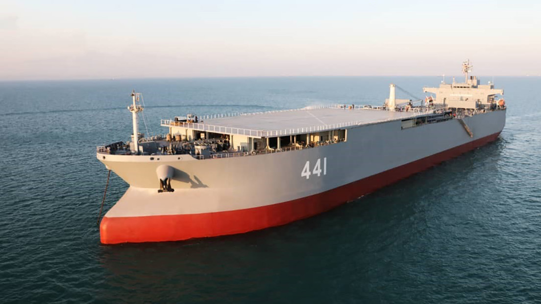 Irán prueba una nueva fragata y un portahelicópteros de producción propia en unos ejercicios en el Índico (VIDEO)