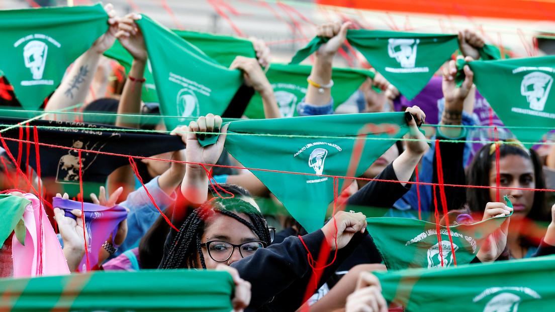 """""""No bastan tres causales"""": La Cámara de Diputados de Chile inicia el debate para despenalizar el aborto"""