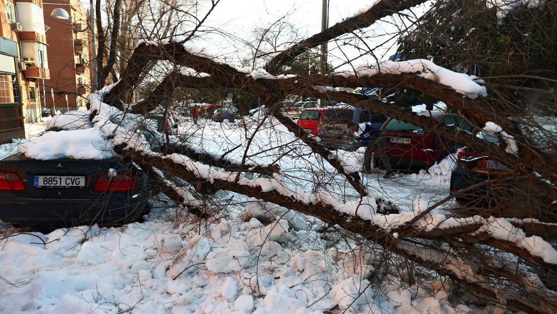 ¿Zona catastrófica? Madrid pide ayuda al Gobierno central tras la gran nevada entre fuertes críticas por el colapso de la ciudad