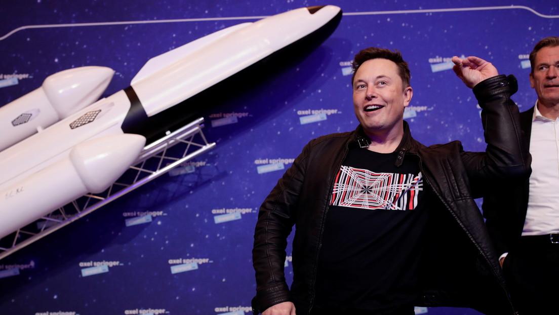 Un desarrollador realiza 154 intentos para solicitar el permiso de Elon Musk para hacer un juego sobre SpaceX y al final recibe una respuesta