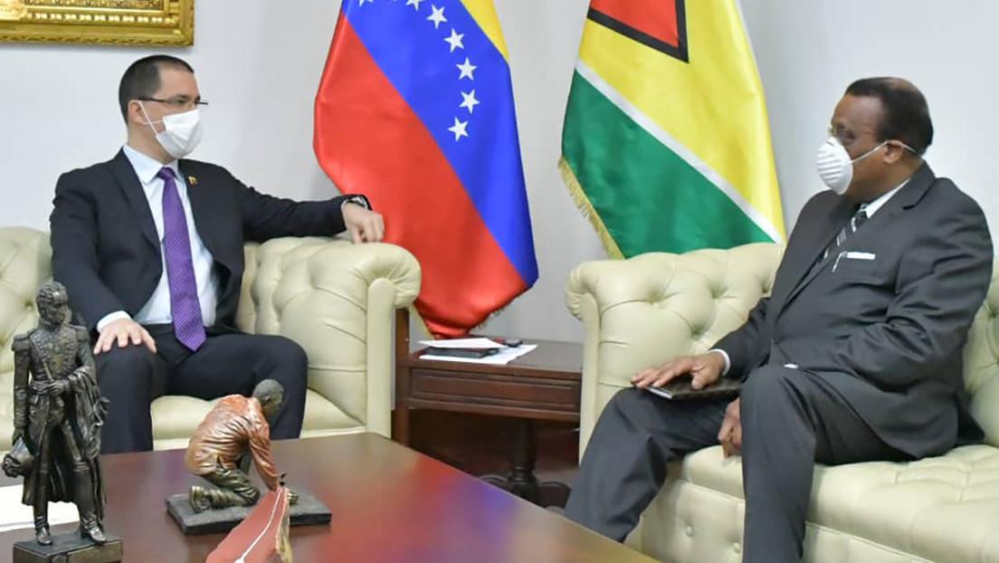 """Venezuela convoca al Encargado de Negocios de Guyana en Caracas para ratificar que """"defenderá sus derechos legítimos"""" sobre el Esequibo"""