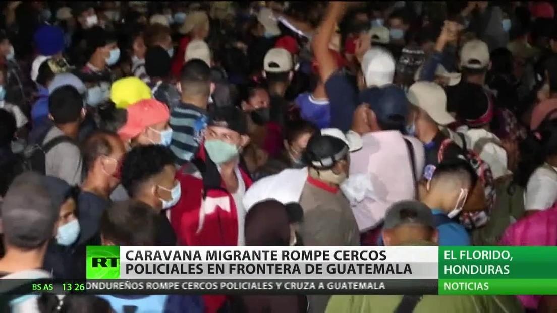Una caravana migrante rompe cercos policiales en la frontera con Guatemala