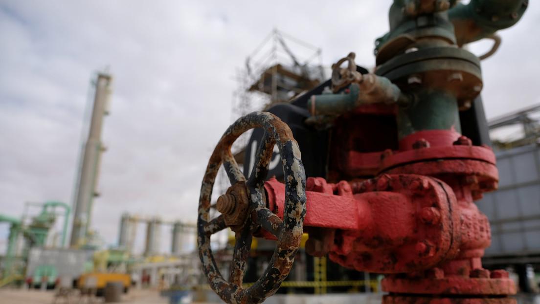 La producción de petróleo en Libia cae en unos 200.000 barriles por día por el cierre de un oleoducto plagado de fugas