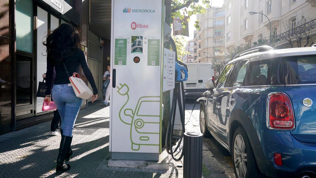 Fabrican el primer lote de baterías de auto que se cargan en 5 minutos