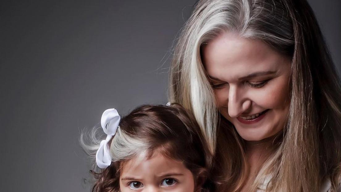 Una niña brasileña nace con canas debido a una rara condición genética (y su mamá la convierte en estrella de las redes)