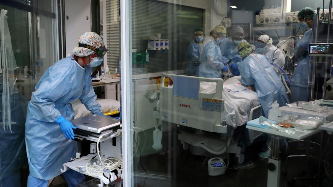 Un hombre pierde a su mujer y a su hija por el coronavirus con 3 horas de diferencia