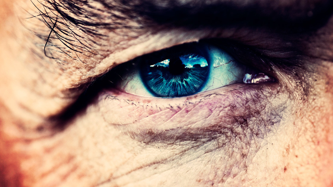 Un hombre ciego recupera la vista tras un implante de córnea artificial de nuevo tipo