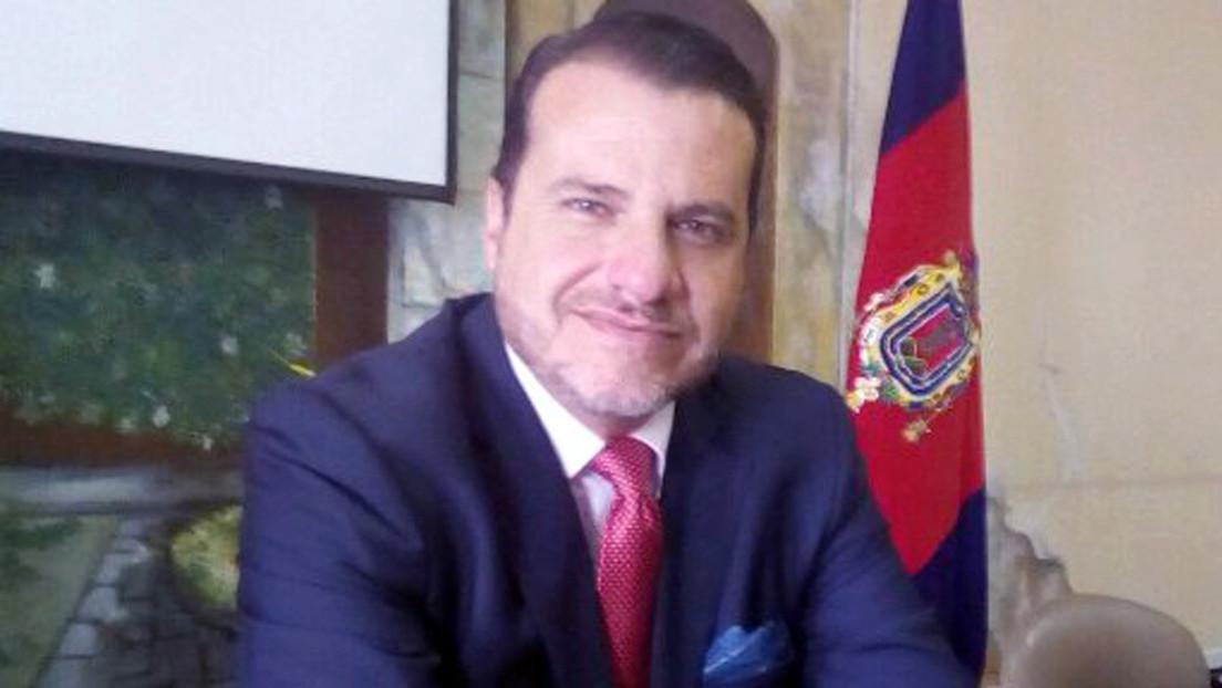 """Un candidato ecuatoriano cree que fue """"drogado"""" antes del debate presidencial en el que dio insólitas declaraciones sobre la violación a niñas"""