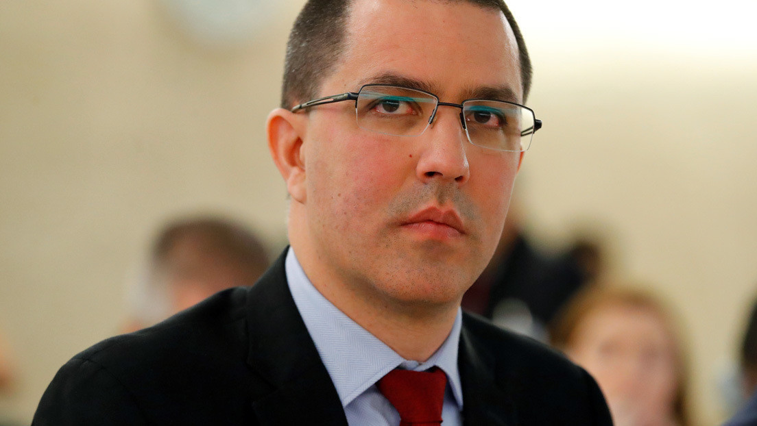 """El canciller de Venezuela afirma que Pompeo pasará a la historia como """"un mal recuerdo"""""""
