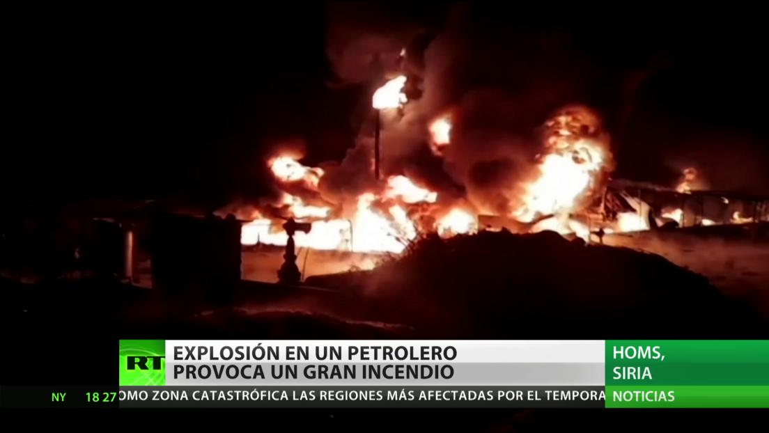 Una explosión en un petrolero desata un gran incendio en Siria