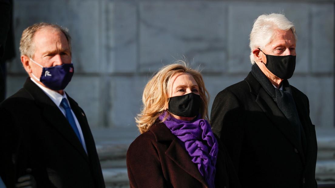 VIDEO: Bill Clinton parece quedarse dormido durante el discurso de investidura de Joe Biden