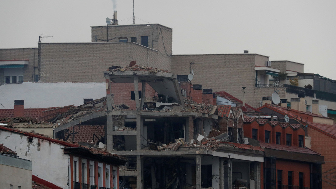 """""""Reza por mí, no sé si me van a poder rescatar"""": el video de un cura paraguayo atrapado en la quinta planta tras la explosión en Madrid"""