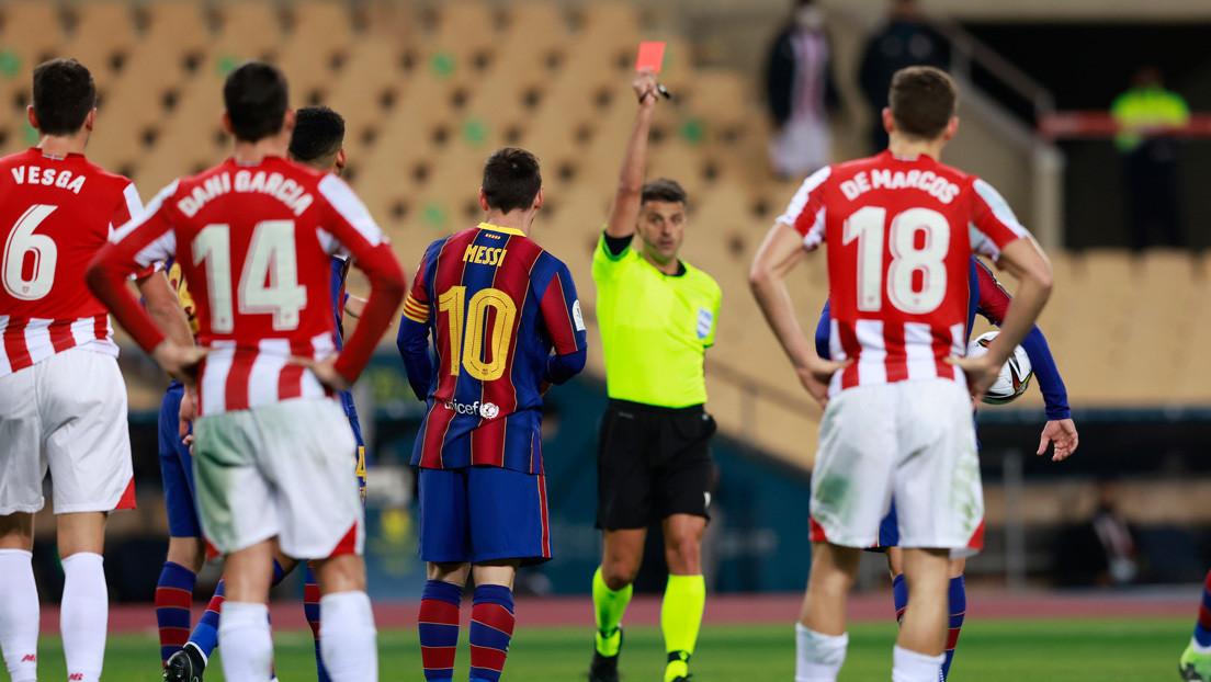 Critican al árbitro de la final de la Supercopa de España por la expulsión de Messi