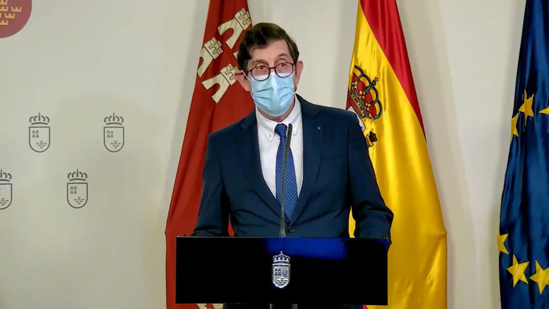 El escándalo de los políticos españoles que se 'saltaron la cola' para vacunarse antes (y sus irritantes excusas)