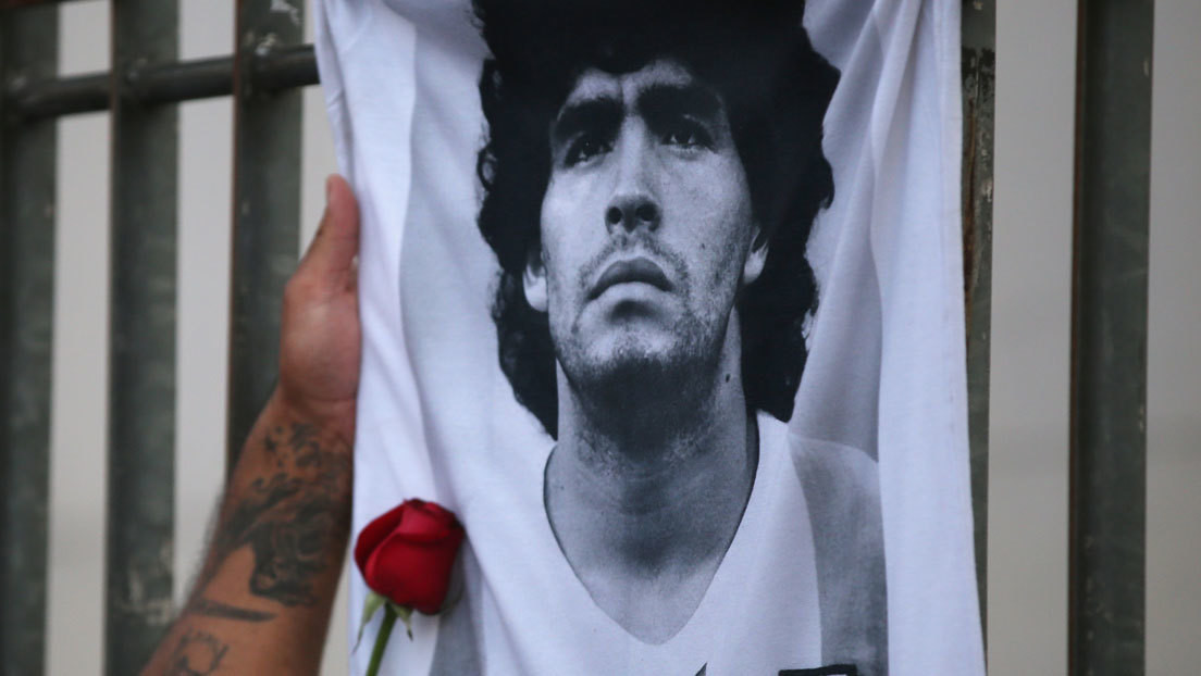 Un peritaje caligráfico confirma que falsificaron la firma de Maradona para acceder a su historia clínica