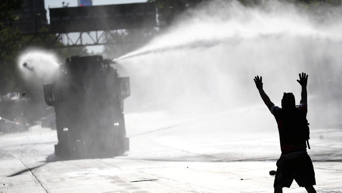 """Chile vive otra jornada de protestas por la liberación de """"presos políticos"""", con represión policial y calles militarizadas"""