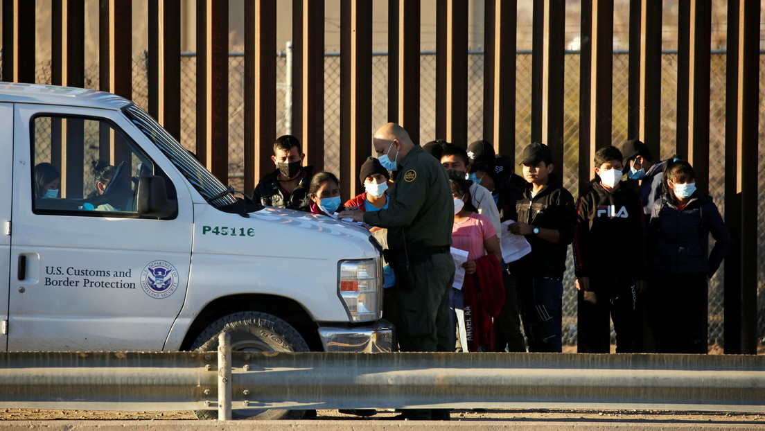 Texas demanda a la Administación Biden por suspender las deportaciones durante 100 días