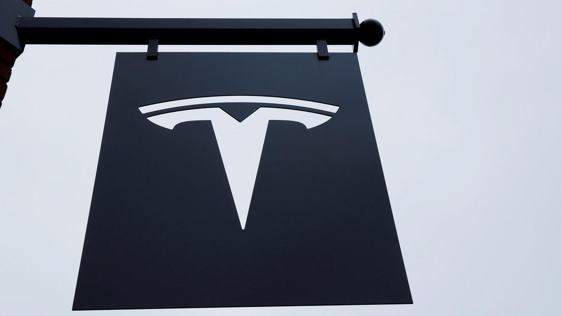 El regulador alemán de vehículos investiga problemas con las pantallas táctiles en los Tesla