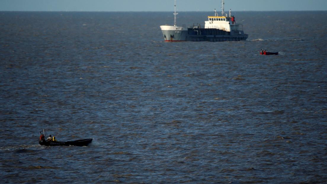 Venezuela intercepta dos buques pesqueros de Guyana que ingresaron a sus aguas y desmiente su versión