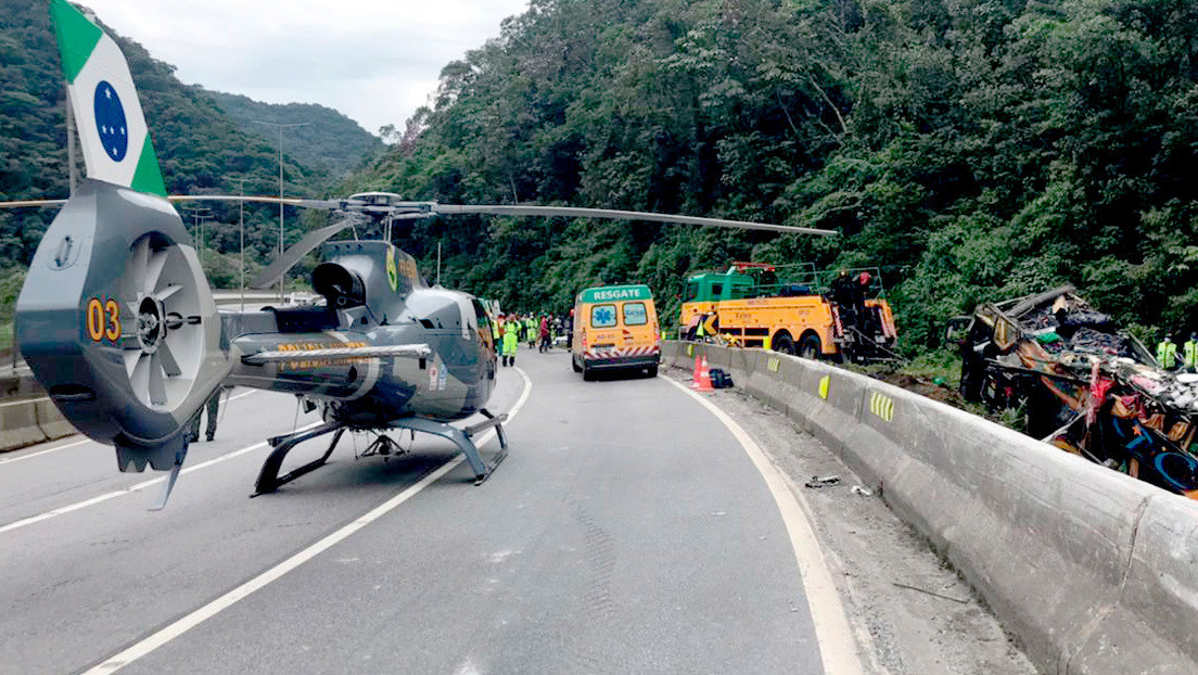 Al menos 21 muertos y más de 30 heridos en un accidente de un autobús en el suroeste de Brasil