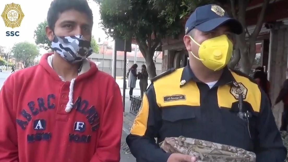 Un policía mexicano encuentra una mochila extraviada con unos 1.400 dólares, la devuelve y esta es la recompensa