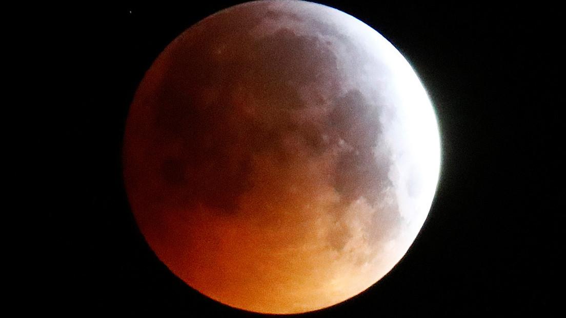 La 'Luna del lobo' iluminará el cielo esta semana: ¿cómo y cuándo verla?