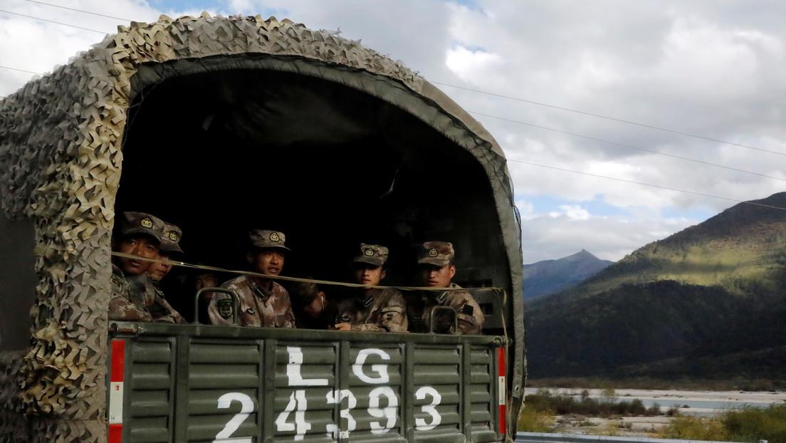 China cuenta con un nuevo vehículo militar todoterreno para apoyo logístico a gran altitud