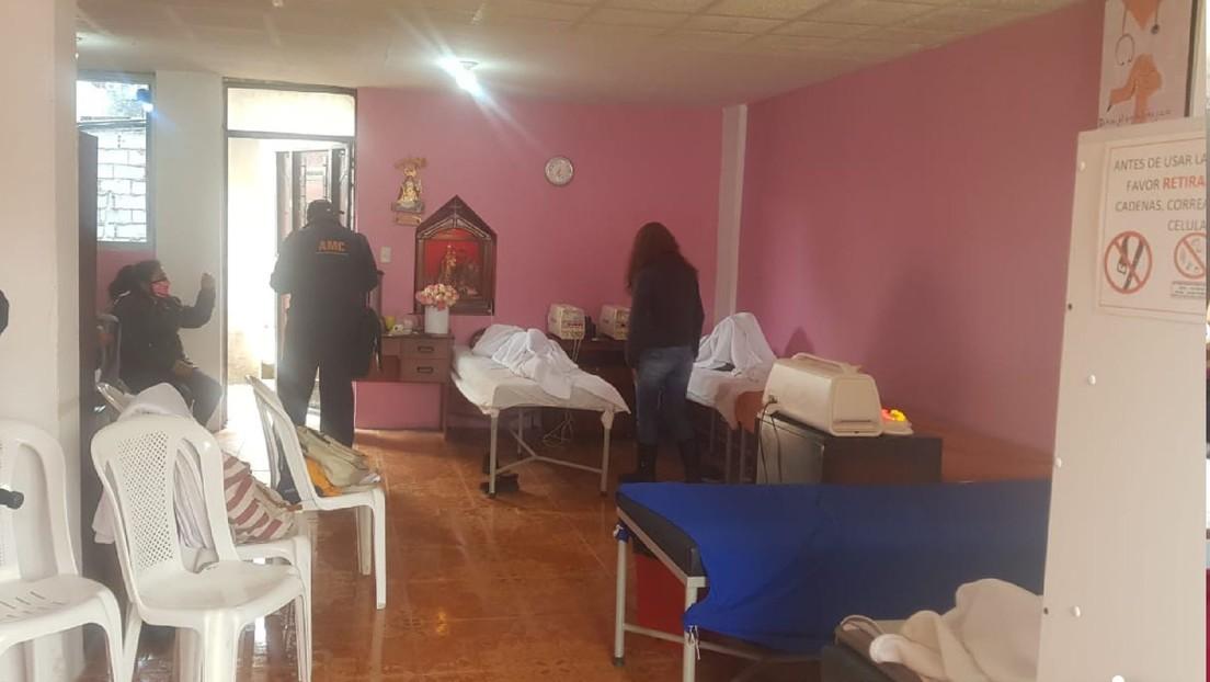 Clausuran en Ecuador una 'clínica' que puso unas 70.000 dosis de vacunas falsas contra el covid-19 a sus pacientes (VIDEO)