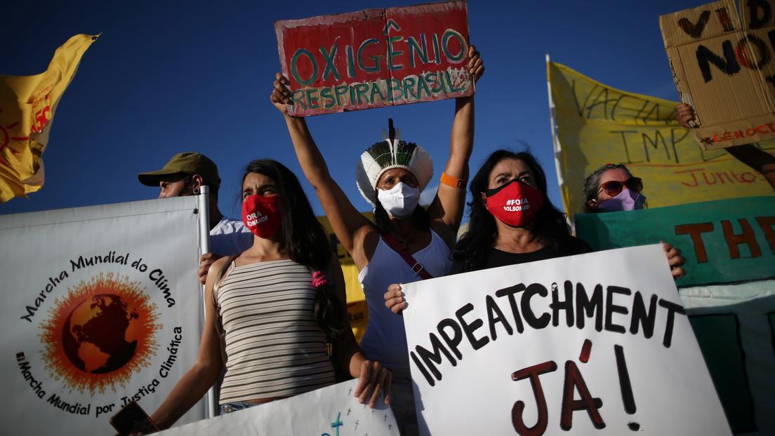 """""""Una nefasta política genocida"""": Líderes religiosos de Brasil piden el 'impeachment' contra Bolsonaro por su gestión de la pandemia"""