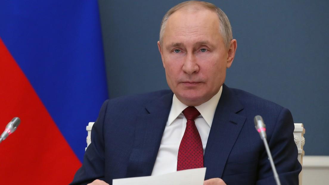 """""""¿Dónde está la línea entre un negocio global y los intentos de gestionar la sociedad?"""": Putin denuncia el excesivo poder de los gigantes tecnológicos"""