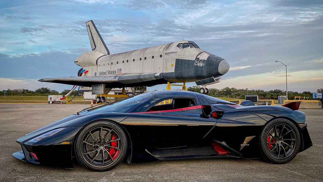 VIDEO: El superdeportivo SSC Tuatara alcanza los 450 km/h y se convierte en el coche de producción en serie más rápido del mundo