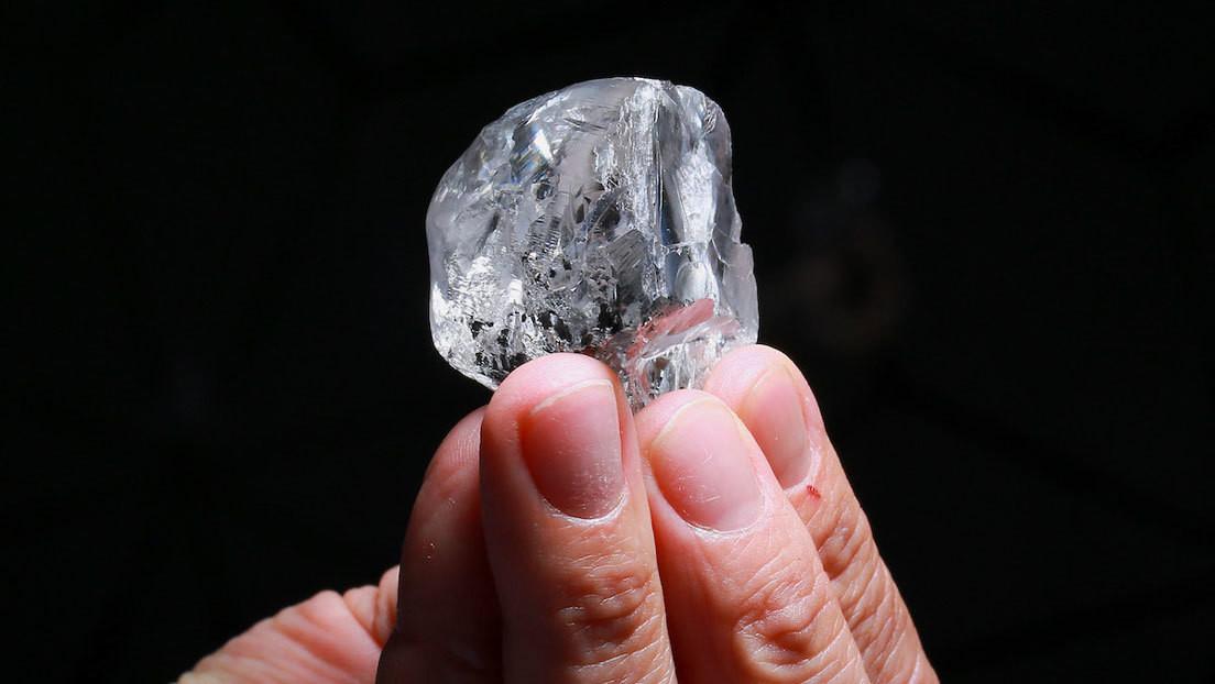 Encuentran un diamante intacto de 378 quilates en Botsuana