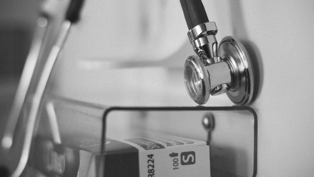 Muere un médico supuestamente apuñalado por un expaciente que lo culpó de una recaída en su enfermedad