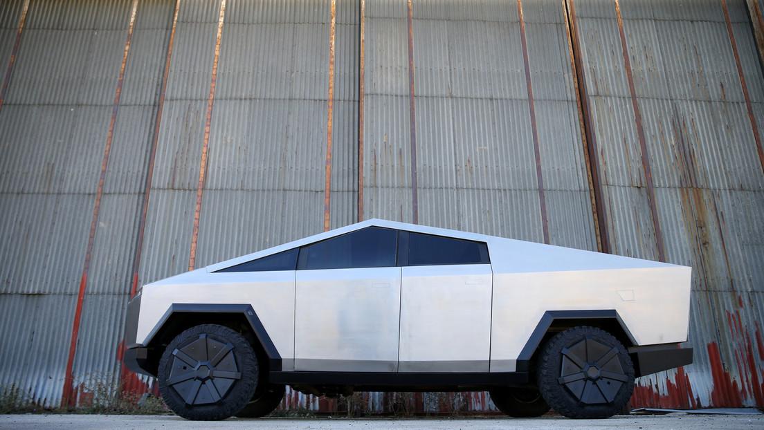Elon Musk dice que las entregas de la Cybertruck de Tesla pueden comenzar este año