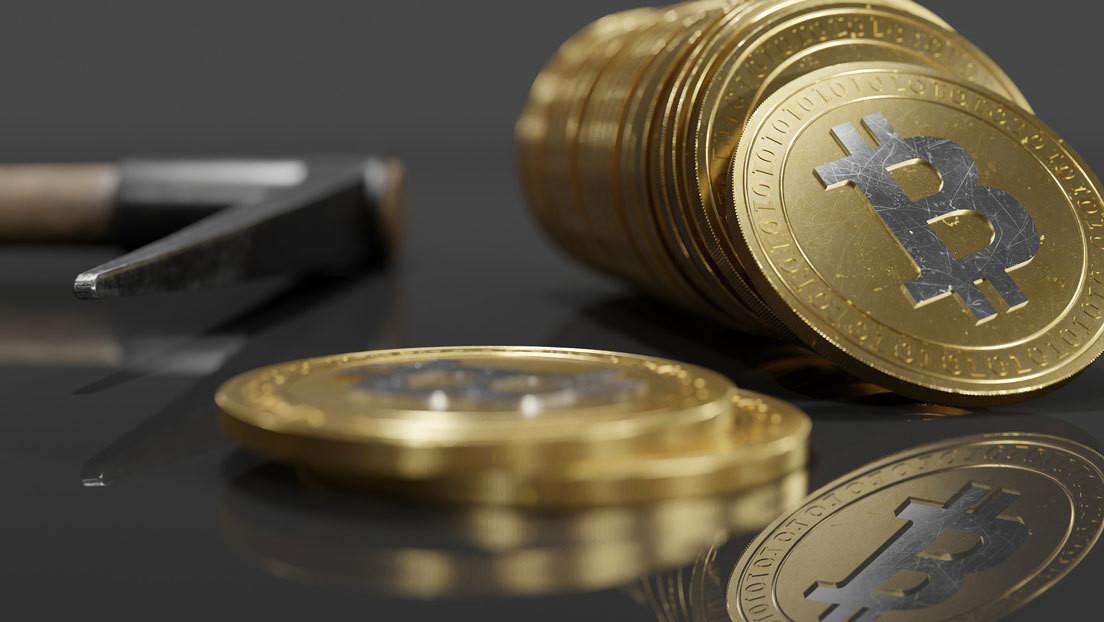 """Jefe de la mayor empresa de gestión de inversiones del mundo explica cuál es el problema clave del bitcóin y qué necesita para ser """"un éxito"""""""
