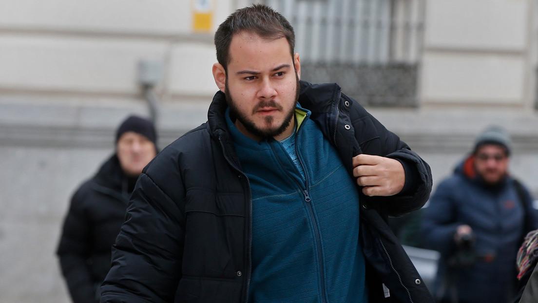 """""""Van a encarcelarme por contar hechos objetivos"""": Ordenan el ingreso en prisión del rapero español Pablo Hasél"""