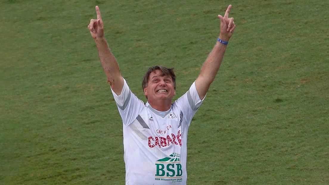 """""""Tenemos que volver a los estadios"""": Bolsonaro dice que el problema del covid-19 """"seguirá de por vida"""" y hay que """"aprender a vivir con él"""""""