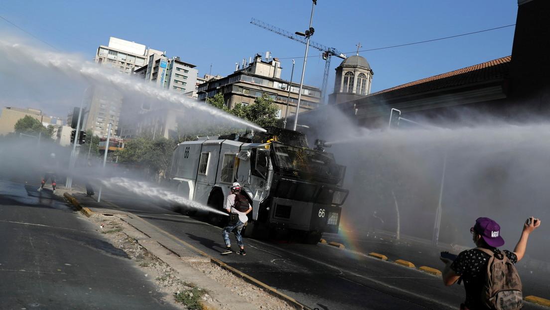 """Represión y detenciones durante una nueva jornada de protestas en Chile para reclamar la liberación de """"presos políticos"""""""