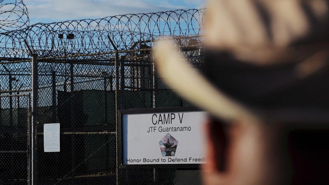 El Pentágono detiene el plan de vacunar a los presos de Guantánamo ante la indignación por que reciban la vacuna antes que el resto de la población