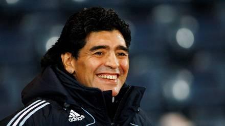 El exfutbolista y entrenador argentino, Diego Maradona, en Glasgow, Escocia, 19 de noviembre de 2008