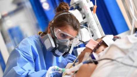 Epidemiólogo británico alerta sobre la 'lengua covid', un nuevo síntoma en los pacientes con coronavirus (FOTOS)