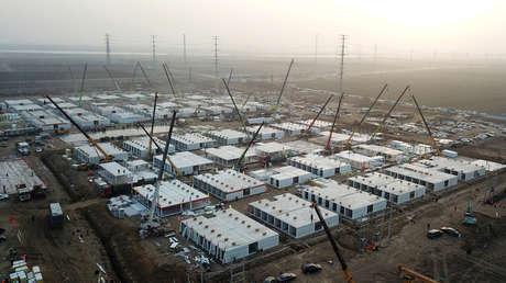 China construye un centro de cuarentena con capacidad para más de 4.000 personas tras el brote de coronavirus en el norte del país (VIDEO)