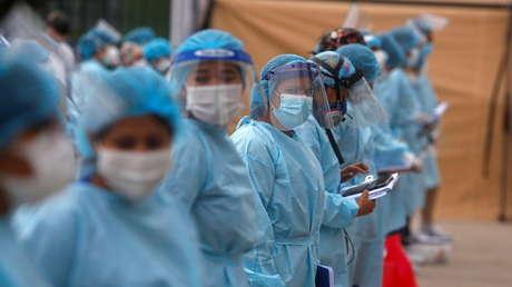"""Perú decreta cuarentena en 10 regiones del país consideradas como de  riesgo """"extremo"""" de contagio de coronavirus"""