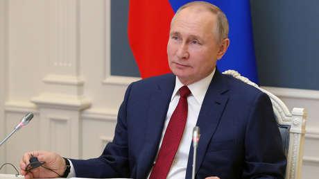 """Putin aborda en Davos los desafíos clave del mundo, la estratificación social y económica y la amenaza de """"lucha de todos contra todos"""""""