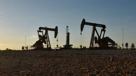 Biden congela nuevas perforaciones de petróleo y gas en terrenos federales y busca reducir los subsidios a los combustibles fósiles