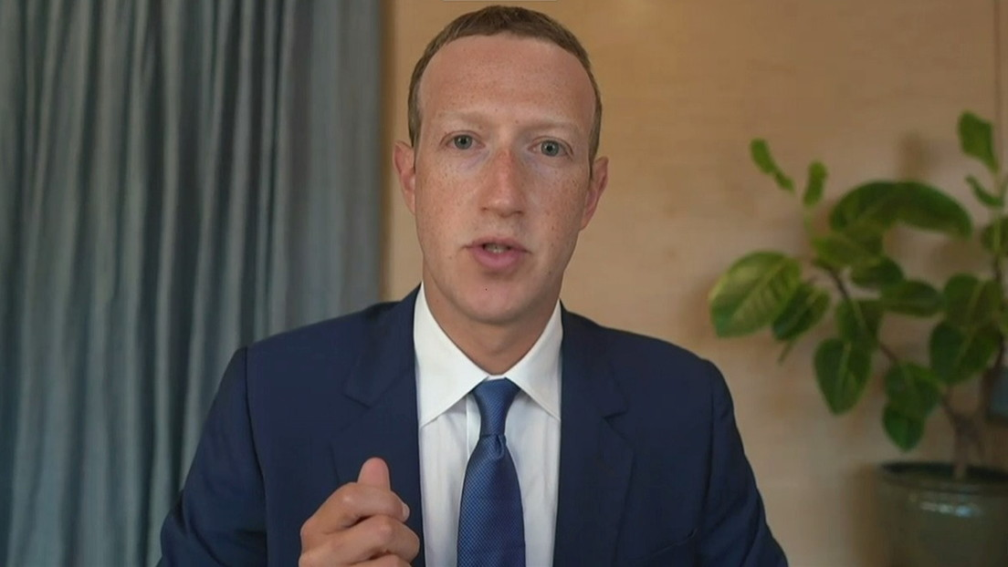 """Filtran conversaciones privadas entre Zuckerberg y otros directivos de Facebook en las que admiten que tienen """"demasiado poder"""""""